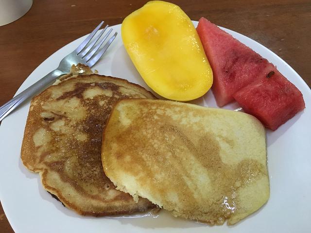 英語学校の朝ごはん。水曜日はパンケーキデイ!