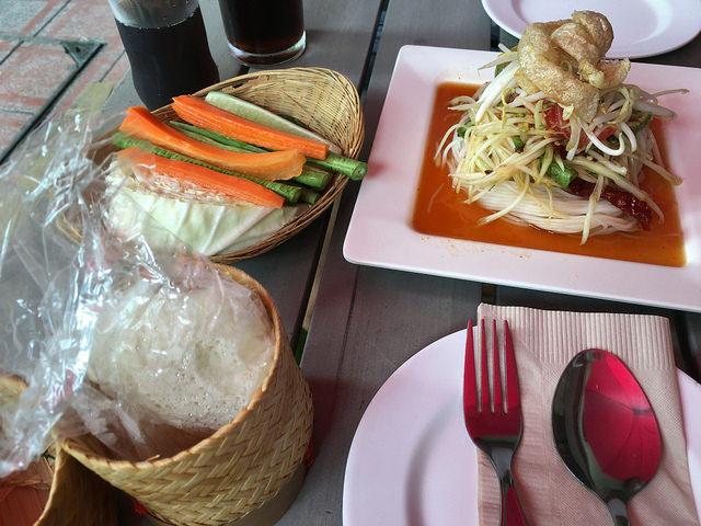 タイでハマったソムタムがメインのランチ