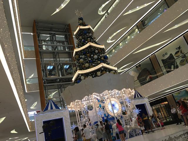 SMシーサイドモールのクリスマスツリー