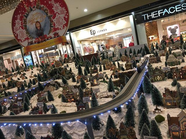 クリスマス展示のミニチュア。ファンタジックかわいい。