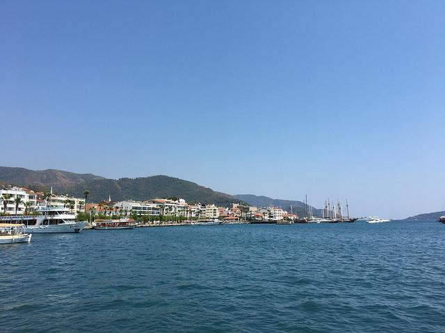 マルマリスの港。チチューカイって感じ。