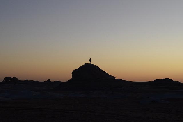 早起きして朝焼けを独り占めするのも砂漠の楽しみ方