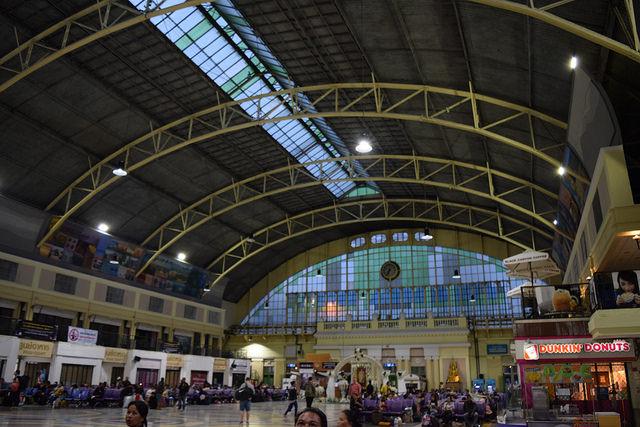 フアランポーン駅は立派!